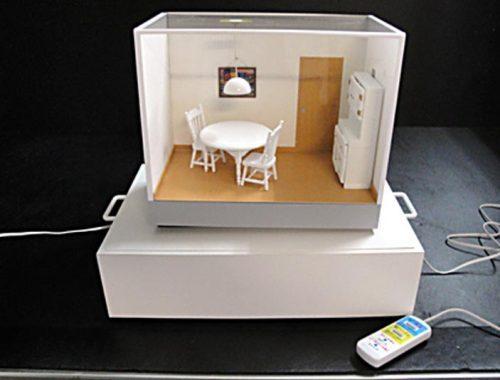 13 家具転倒防止訴求模型