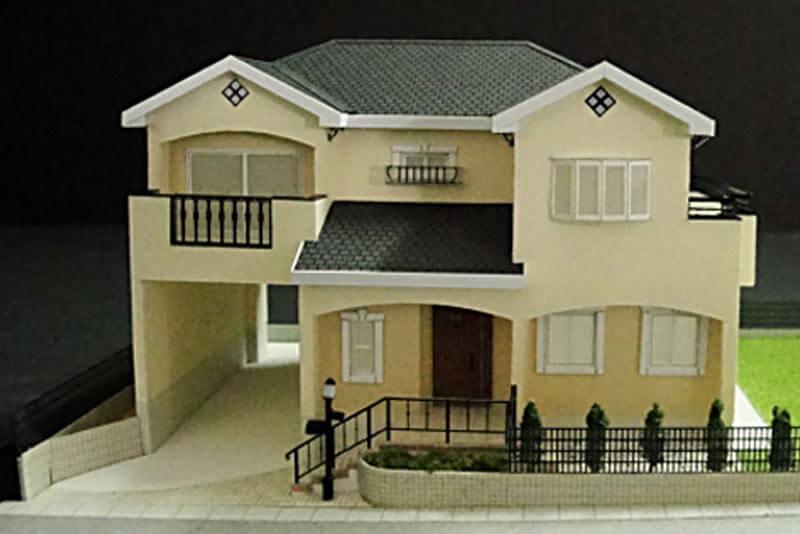 38 住宅模型_カラー