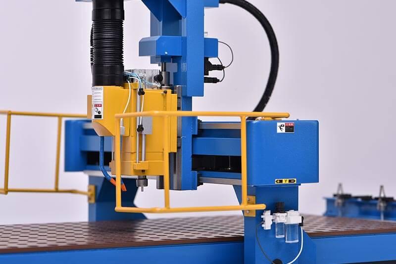 19 機械模型(NCルーター)